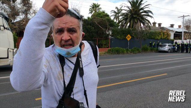 Police PEPPER-SPRAY & ARREST journalists in Melbourne